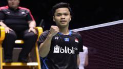 Indosport - Anthony Sinisuka Ginting pada babak pertama Yonex Thailand Open 2021