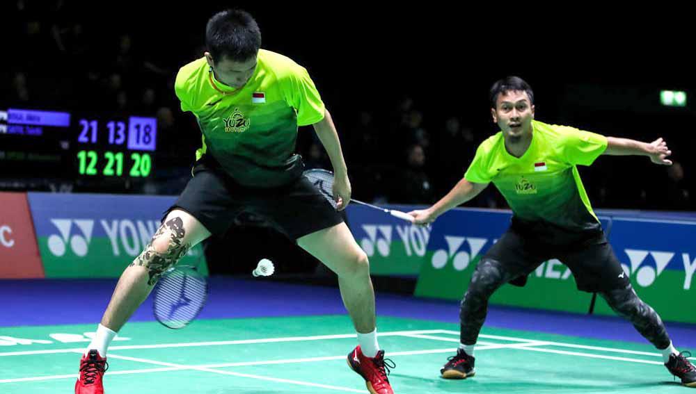 Pertandingan antara Satwiksairaj Rankireddy/Chirag Shetty (India) vs Mohammad Ahsan/Hendra Setiawan (Indonesia) di Thailand Open 2021. Copyright: Shi Tang/Getty Images