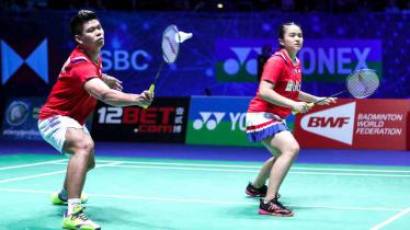 Hasil Semifinal Thailand Open 2021: Praveen/Melati Melaju ke Partai Puncak. - INDOSPORT