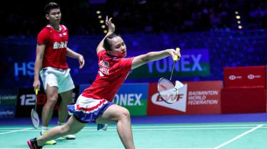 Menjadi bagian dari Tim Indonesia di Piala Sudirman, Melati Daeva Oktavianti diharapkan bisa tampil lebih agresif dan mengimbangi Praveen Jordan. - INDOSPORT