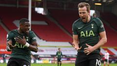 Indosport - Pemain Tottenham, Harry Kane saat mencetak gol ke gawang Sheffield di Liga Inggris