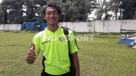 Bek andalan Persebaya Surabaya, Hansamu Yama Pranata, mengikuti kursus kepelatihan. - INDOSPORT