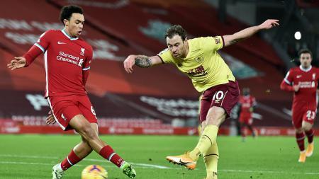 Kalah 0-1 dari Burnley, rekor sakti Liverpool tak terkalahkan di Anfield di Liga Inggris terhenti dan sebagai gantinya justru terbitlah rekor buruk. - INDOSPORT