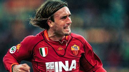 Selebrasi gol striker legendaris AS Roma, Gabriel Batistuta, dalam pertandingan Serie A Italia 2001-2002. - INDOSPORT