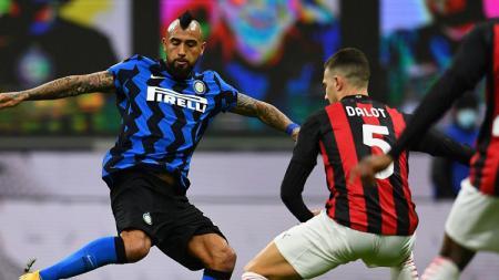 Inter Milan menang dramatis 2-1 atas AC Milan di perempat final Coppa Italia, Rabu (27/01/21) dini hari WIB. Berikut deretan fakta di balik pertandingan itu. - INDOSPORT