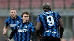 Indosport - Berikut hasil perempat final Coppa Italia antara Inter Milan vs AC Milan. Inter menang comeback  2-1 usai Zlatan Ibrahimovic menerima kartu merah.