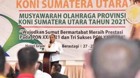 Gubernur Sumut, Edy Rahmayadi, saat menghadiri Musoprov KONI Sumut 2021 di Berastagi, Kamis (27/01/21). - INDOSPORT