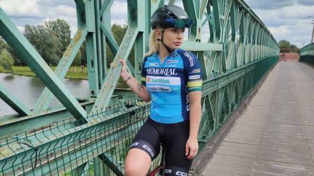Tara Gins, eks atlet balap sepeda asal Belgia. - INDOSPORT