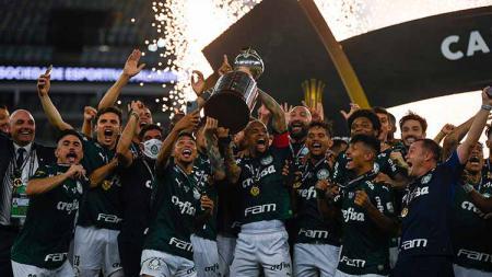 Palmeiras dinobatkan sebagai raja Amerika Selatan usai menaklukkan perlawanan Santos di partai final Copa Libertadores yang berjalan dramatis. - INDOSPORT