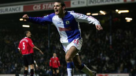 Aksi striker Blackburn Rovers, David Bentley, dalam pertandingan Liga Inggris kontra Manchester United, 1 Februari 2006. - INDOSPORT
