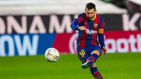 Lionel Messi pecahkan rekor karma dan satunya lagi rekor gila ketika Barcelona habisi Valencia sekaligus buka kans juara LaLiga Spanyol. - INDOSPORT