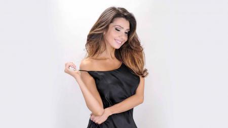 Maniela Ferrera, mantan pacar Gonzalo Higuain. - INDOSPORT