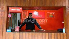 Indosport - Mantan penjaga gawang Persib, Imam Arief Fadillah.
