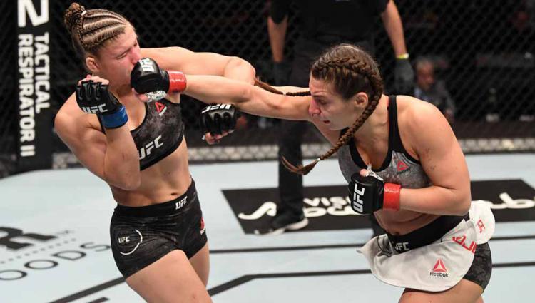 Petarung MMA Liana Jojua asal Rusia vs Miranda Maverick asal Amerika Serikat. Copyright: Josh Hedges/Zuffa LLC via Getty Images