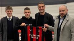 Indosport - Mengenal lebih jauh sosok wonderkid Hungaria, Milos Kerkez, yang baru saja bergabung dengan raksasa Liga Italia, AC Milan, di bursa transfer Januari 2021.