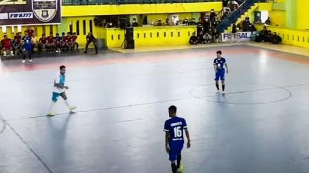Cuplikan laga final turnamen futsal di Medan yang melanggar prokes. - INDOSPORT