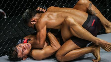Pertarungan ONE Championship, Tial Thang vs Paul Lumihi - INDOSPORT