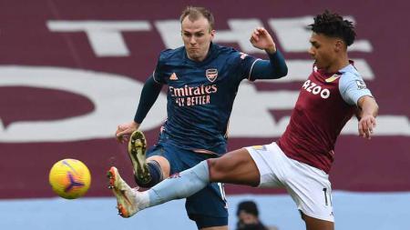 Pemain Aston Villa Ollie Watkins, mencetak gol pertama untuk timnya di pertandingan Liga Inggris Aston Villa vs Arsenal, Sabtu (06/02/2021). - INDOSPORT