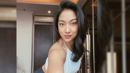 Pamer Body Goals Anindita Hidayat Ajarkan Workout Lower Body - INDOSPORT