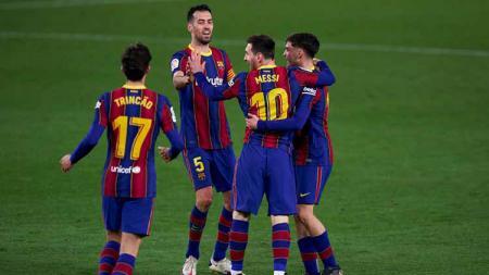 Lionel Messi pecahkan tiga rekor luar bisa ketika Barcelona berpesta lawan Alaves di pekan lanjutan LaLiga Spanyol. - INDOSPORT