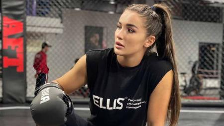 Diana Avsaragova, petarung MMA asal Rusia. - INDOSPORT