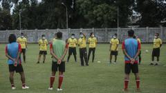 Indosport - Skuad Bali United dipastikan batal berangkat menuju Jakarta untuk melakoni laga uji coba melawan Tim nasional (Timnas) Indonesia U-23.