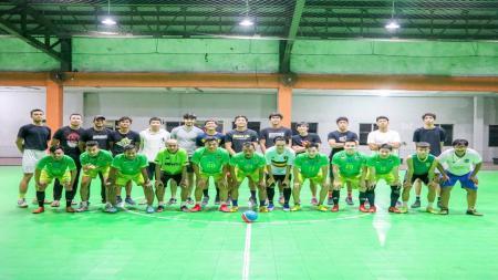 Pacific Caesar Surabaya bermain futsal. - INDOSPORT