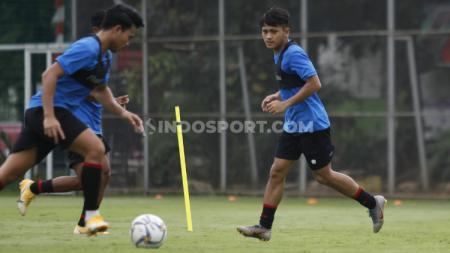 Manajer klub Liga 2 Sulut United, Muhammad Ridho, membocorkan pelabuhan selanjutnya yang akan dituju oleh Natanael Siringoringo jika kembali ke Indonesia. - INDOSPORT