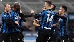 Indosport - Romelu Lukaku dan Pemain Inter Milan Merayakan gol ke Gawang Lazio