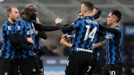 Romelu Lukaku dan Pemain Inter Milan Merayakan gol ke Gawang Lazio - INDOSPORT