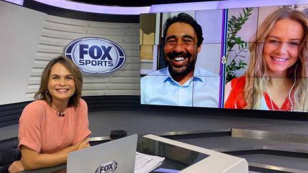 Mantan petenis Siprus, Marcos Baghdatis, dan mantan petenis Slovakia, Daniele Hantuchova, saat menjadi komentator Australian Open di saluran Fox Sports. - INDOSPORT