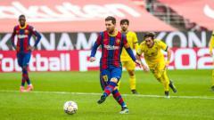 Indosport - Aksi Lionel Messi dalam laga Barcelona vs Cadiz