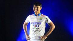 Indosport - Pelatih tim Persib Bandung, Robert Rene Alberts, membeberkan alasan membawa pulang kembali Achmad Jufrianto ke skuat Maung Bandung.