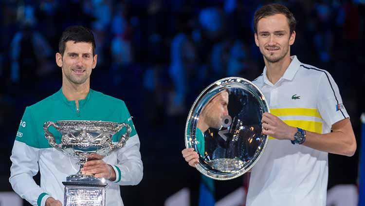 Novak Djokovic dan Daniil medvedev. Copyright: Andy Cheung/Getty Images