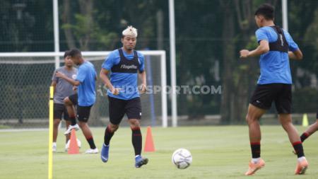 Arema FC memastikan bahwa dua pilar pentingnya sudah dalam kondisi fit untuk memenuhi panggilan Timnas Indonesia. - INDOSPORT