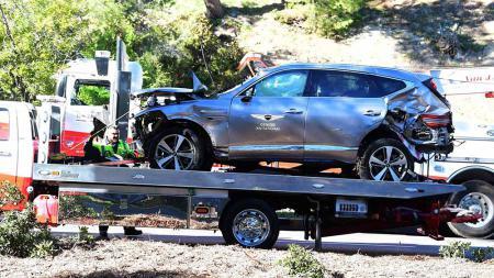 Mobil yang dikendarain pegolf Tiger Woods mengalami kecelakaan di Rancho Palos Verdes, California, Selasa (23/02/2021). - INDOSPORT