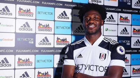 Ola Aina, pemain Fulham. - INDOSPORT