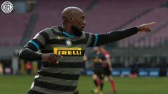Indosport - Selebrasi striker Inter Milan, Romelu Lukaku, usai menjebol gawang Genoa dalam pertandingan Serie A Italia, Minggu (28/2/21).