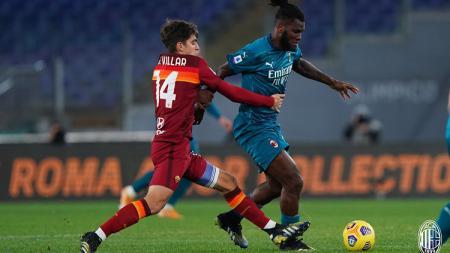 AC Milan berhasil meraih kemenangan dramatis atas AS Roma dengan 3 gol yang sempat dianulir dalam laga lanjutan Serie A Italia giornata ke-24. - INDOSPORT