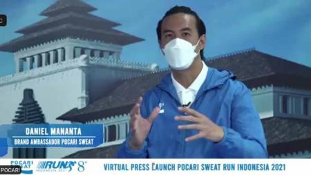 Aktor dan presenter Daniel Mananta akan memeriahkan ajang tahunan Pocari Sweat Run Indonesia 2021. - INDOSPORT