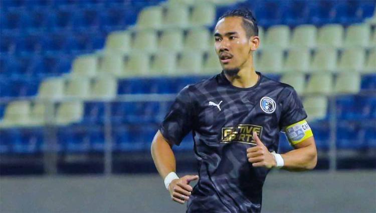 Ryuji Utomo di Penang FC saa menjadi kapten di laga uji coba persiapan Liga Super Malaysia 2021. Copyright: Instagram@ryujiutomo