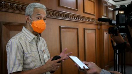 Gubernur Jawa Tengah, Ganjar Pranowo saat menyampaikan rencana Jawa Tengah menyiapkan Popda secara virtual. - INDOSPORT