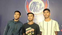Indosport - Arema FC melepas 3 pemain mudanya, yaitu Wiga Brillian Syahputra, Ricga Tri Febyan dan Sandy Febian.