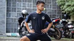 Indosport - Pemain PSIS Semarang, Fredyan Wahyu, saat mengikuti latihan pertama di Komplek Mes.