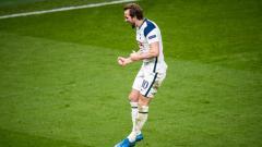 Indosport - Merasa frustrasi di Tottenham Hotspur, Harry Kane dikabarkan bakal mendesak Daniel Levy agar mau menjualnya ke Manchester United.