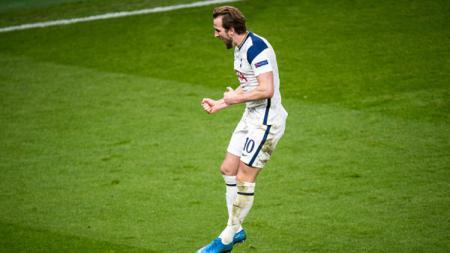 Gagal cetak gol pada pekan ke-35, Harry Kane tetap aman di puncak daftar top skor sementara Liga Inggris. - INDOSPORT