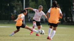 Indosport - Beberapa pemain Timnas wanita Indonesia alami cedera setelah kurang lebih sepekan berlatih.