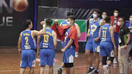 Tim Prawira Bandung saat tampil di IBL 2021. - INDOSPORT