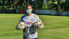 Indosport - Pelatih kiper Bali United, Marcelo Pires.