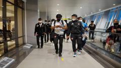 Indosport - PSM Makassar telah tiba di Bandara Internasional Juanda, Surabaya, Sabtu (20/03/21) petang.